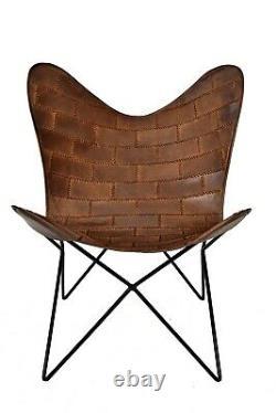 Support En Fer De Chaise De Papillon De Briques Brunes Et Chaise Extérieure Intérieure De Couverture En Cuir